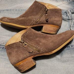 Lucky brand boots 8